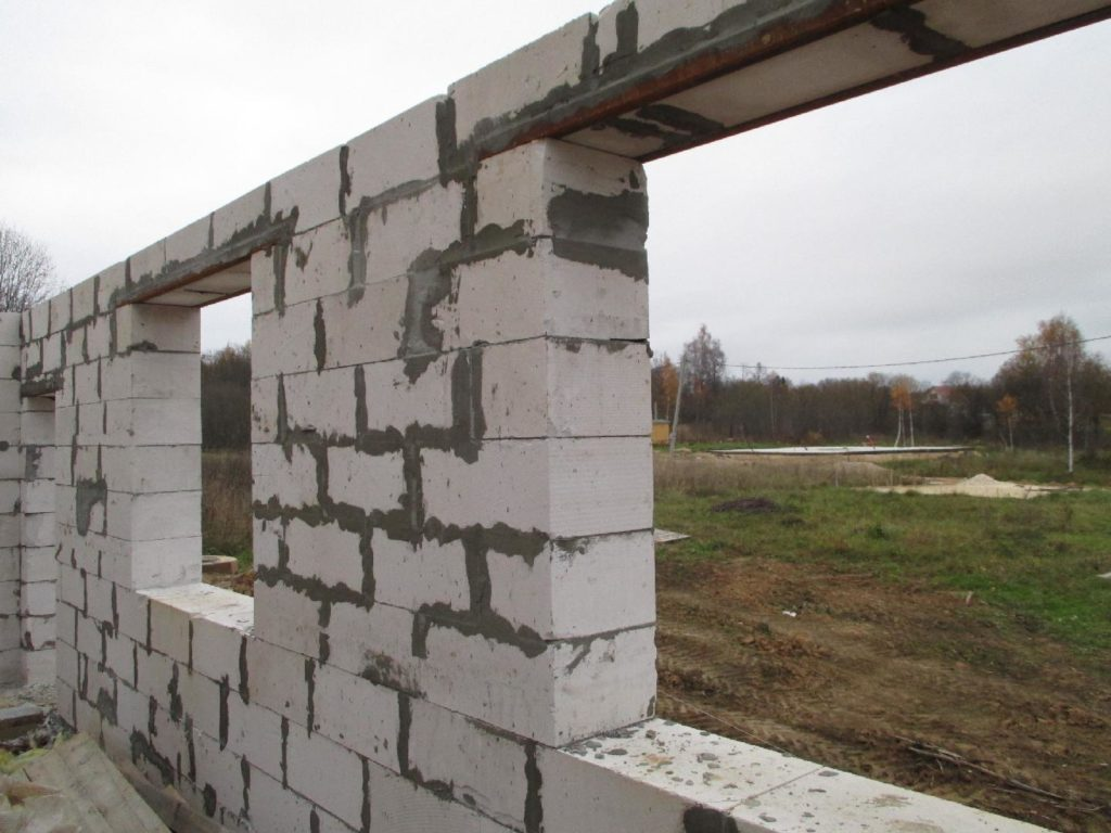 Перемычки из уголка в стене из газобетона: особенности и варианты конструкции - Blokshop